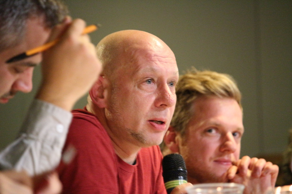 Jörg Ruckel gibt Feedback an die Filmemacher