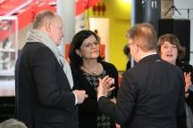 Brigitte Naber im Gespräch mit Otto F. Wachs (l) und Martin Waitz (r)