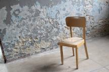 Eine einsame Sitzgelegenheit